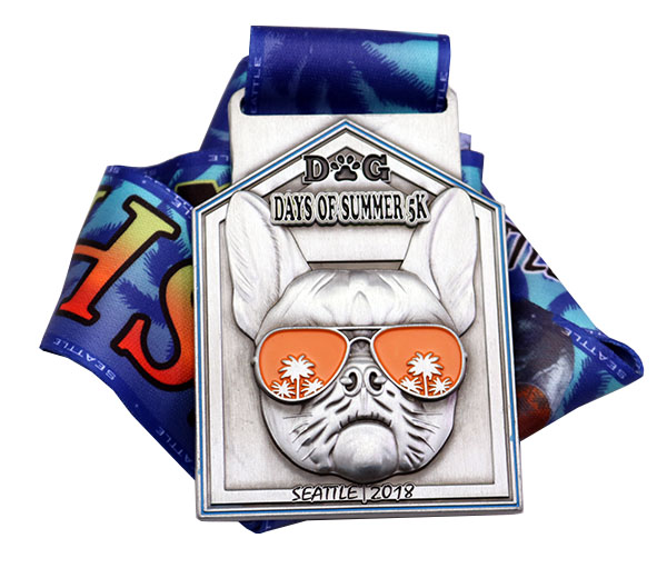 DOG DAYS OF SUMMER MEDAL