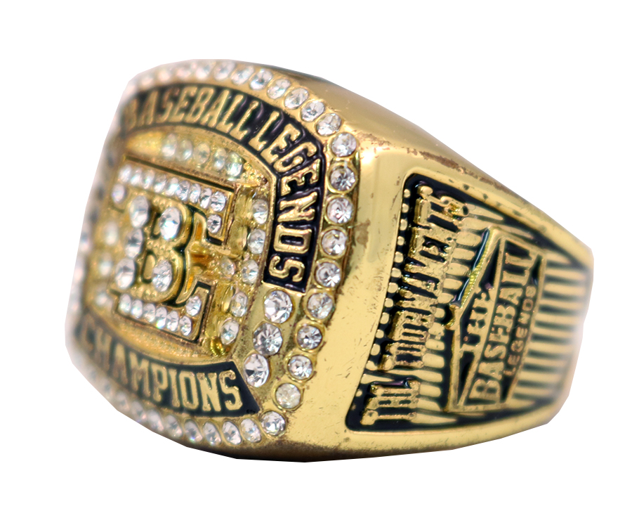 THE BASEBALL LEAGENDS CHAMPS RING